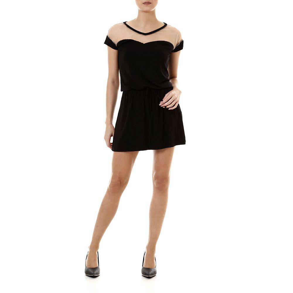 Vestidos pretos curtos de Isabelle Drummond