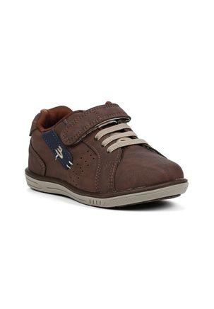 Sapato-Infantil-para-Bebe-Menino---Azul-marinho-marrom
