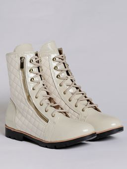 Z-\Ecommerce\ECOMM-360°\25-03\38964-bota-para-mulher-crysalis-coturno-matelasse-off-white