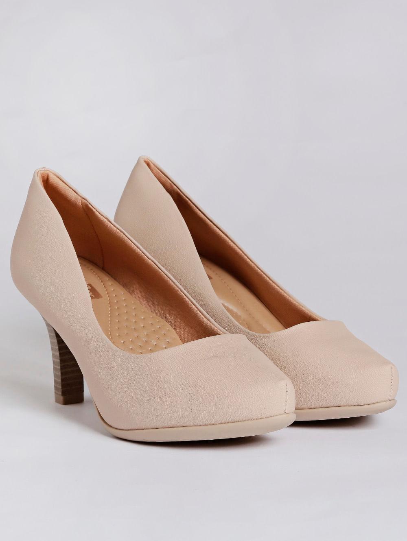 632e142b9 Sapato Scarpin Feminino Bege - Lojas Pompeia