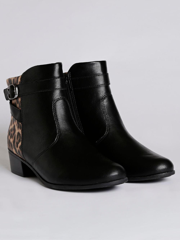 dc0cb7299 Bota Ankle Boot Animal Print Feminina Comfortflex Preto - Lojas Pompeia