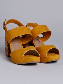 Z-\Ecommerce\ECOMM-360°\23?07\123378-sandalia-adulto-mississipi-sint-salto-forr-9-5-amarelo