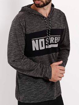 Camiseta-Manga-Longa-com-Capuz-No-Stress-Masculina-Chumbo