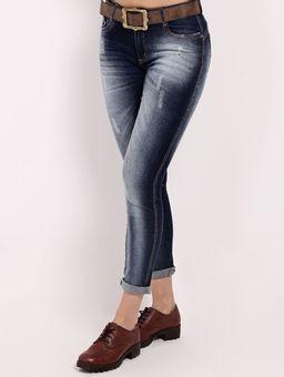 Calca-Jeans-com-Puidos-e-Cinto-Feminina-Azul