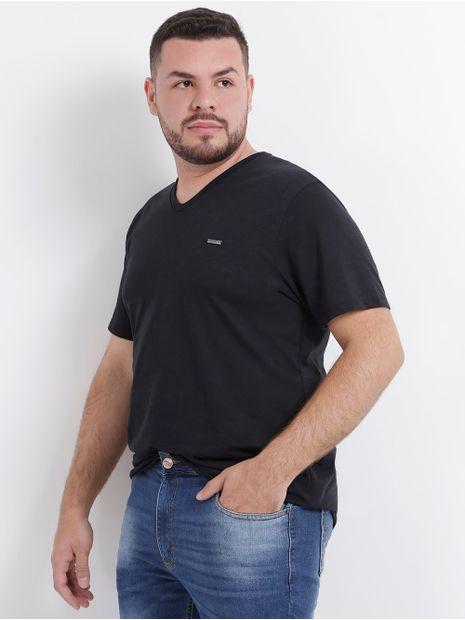 110169-camiseta-basica-plus-size-no-stress-preto-pompeia2