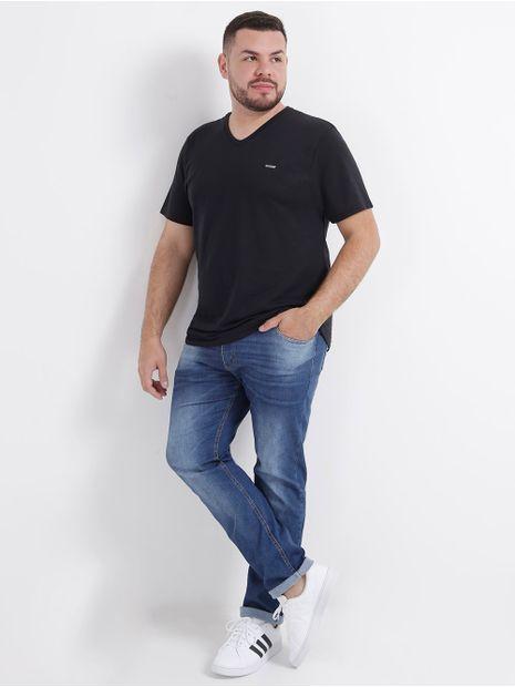 110169-camiseta-basica-plus-size-no-stress-preto-pompeia3