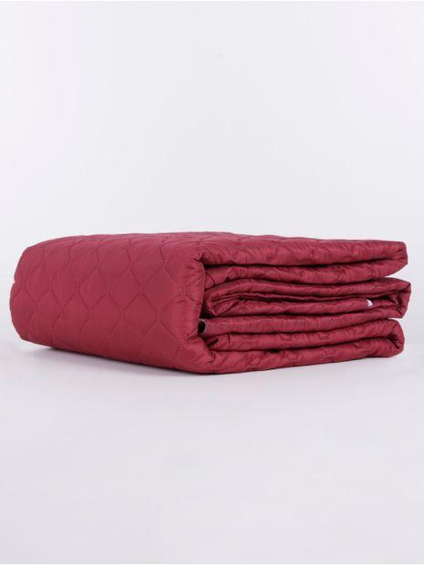 136683-capa-para-sofa-hedrons-vinho-tinto
