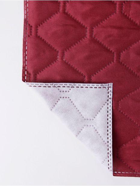 136683-capa-para-sofa-hedrons-vinho-tinto1